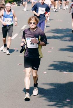 Ulf 2002 beim ersten Marathon nach dreißig Kilometern