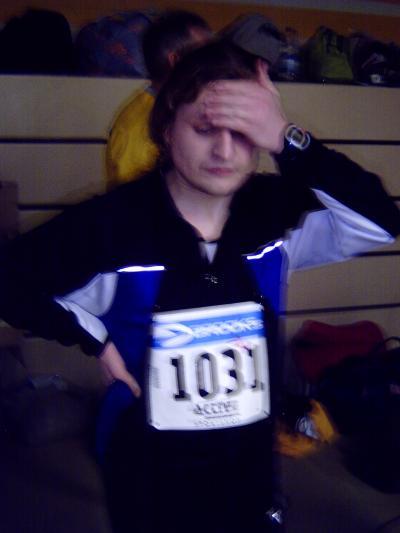 Ulf sieht nach Halbmarathon v�llig fertig aus